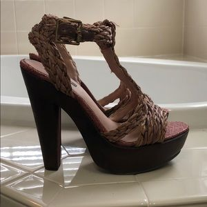 Shoemint basket weave detail heels